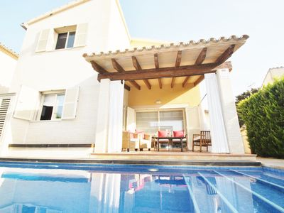 Photo for Nice And Quiet Villa, Near Beach and Old Town, with Private Pool, WIFI and AACC.