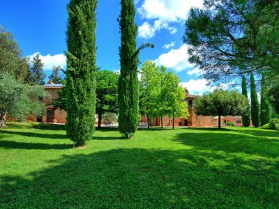Photo for Beautiful apartment for 6 people with A/C, pool, WIFI, TV and parking, close to Cortona