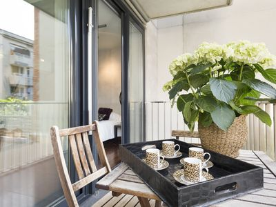 Photo for Comfortable apartment in the center of Barcelona with terrace for 4 - Free Wi-Fi