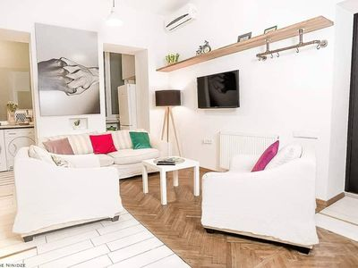 Photo for -35% Centre 80sq.Apartment w/High Ceiling&Balcony