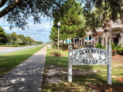 Photo for Spacious 4 Br Condo Overlooks Pool (Sleeps 10) - Located On Top Floor