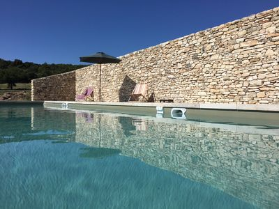 Photo for Genuine old provençal farm with large pool pool and great Luberon view