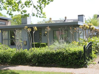 Photo for Charming holiday home on a leafy avenue within walking distance of Bergen
