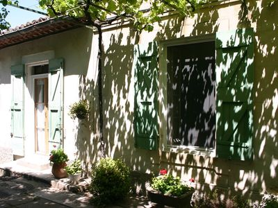 Photo for Quiet apartment, renovated, above ground pool and 5 minutes walk from the old center