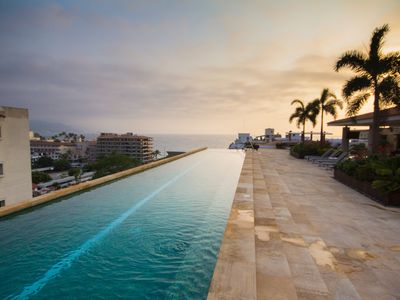 Photo for THE PARK Rooftop POOL with Amazing Views / 1 Block from Beach, Bars & Restaurant