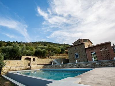 Photo for 5 bedroom Villa, sleeps 12 in Sant'Angiolo with Pool, Air Con and WiFi