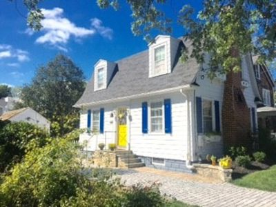 Photo for Adorable cottage! Walking distance to USNA & downtown!