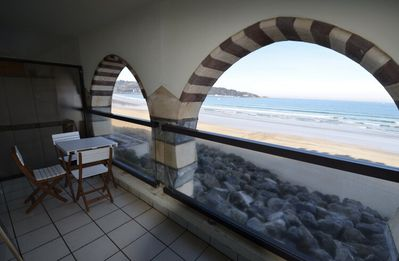 Photo for Great beach, breathtaking views of the ocean!