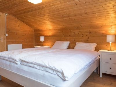 Photo for 3 bedroom Apartment, sleeps 5 in Fly with WiFi