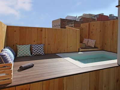 Photo for Yelow House. House with terrace and private pool. Barcelona. Close to FCB and Fira BCN