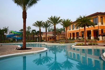 Regal-Oaks-Resort-Clubhouse-Pool-2