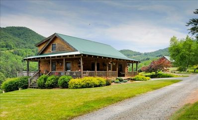 Photo for PEACEFUL HAVEN ,MT VIEWS,10MIN AVL,3/2,FP ,WIFI, FIREPIT