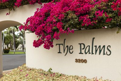 Entrance to The Palms at Wailea development