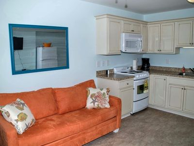 Photo for Oceanside, remodeled, one bedroom efficiency w/beach access and pool!