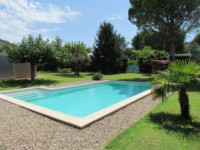 Photo for Villa with pool facing Luberon
