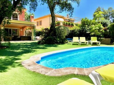Photo for Luxury villa close to the beach with heated pool