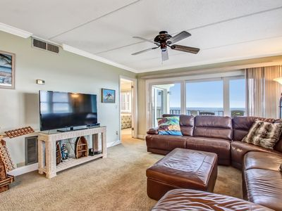 Photo for 2 Bed/2 Bath Oceanfront condo sleeps 6.  Oceanfront balcony and pool.