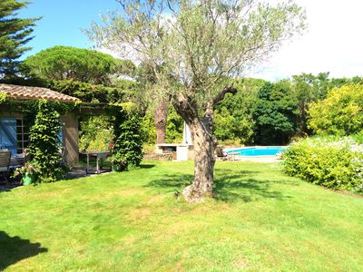 Photo for Charming villa in the village of Saint-Tropez