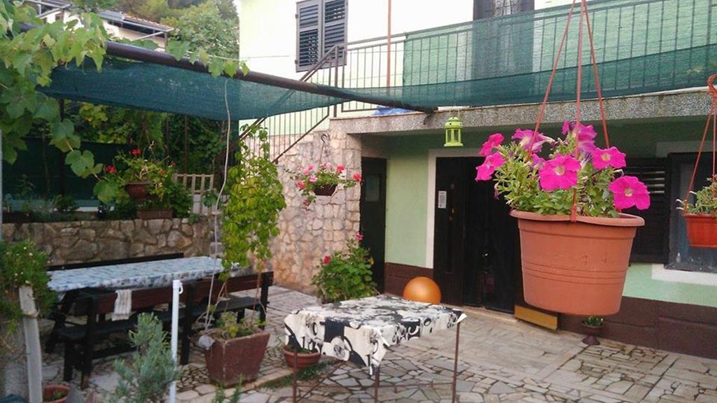 Property Image#12 Apartment With 2 Rooms In Mali Lošinj, With Enclosed  Garden And