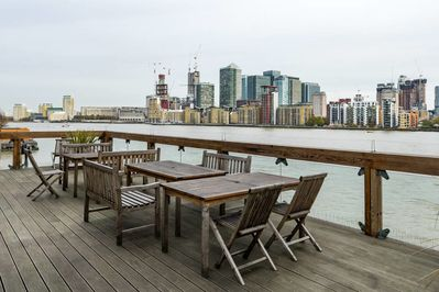 You'll have access to a communal roof garden overl