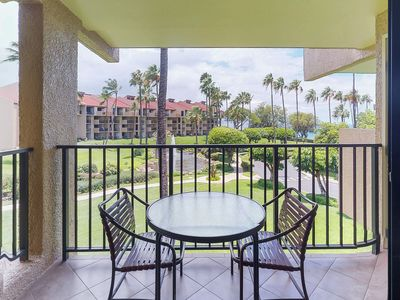 Photo for Waterfront condo w/shared pool & hot tub-walk to the beach, dining