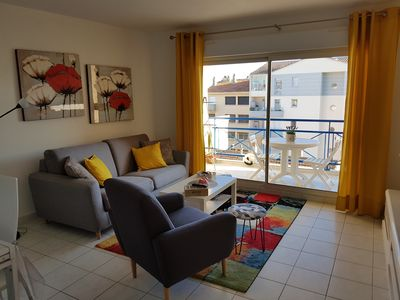 Photo for Charming apartment T2 air-conditioned Downtown, Close to the beaches
