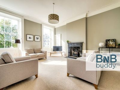 Photo for Bright and Spacious 4-bedroom Apart in Stockbridge