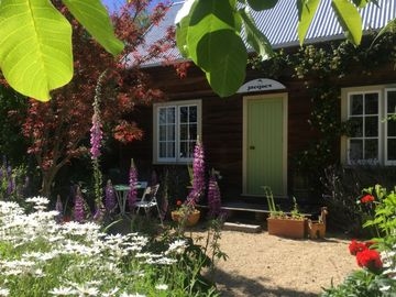 Akaroa Garden Cottage