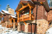 Luxurious Lodge with Views and Hot Tub - Located a short walk to Main Street