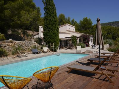 Photo for Sanary, large villa with swimming pool and tennis, terraced land of 6000 m2