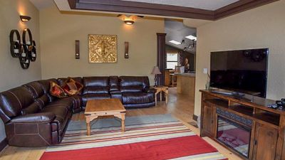 """Photo for Upper Canyon Lodging Co - """"Sierra Vista"""" -Private with mountain views and relaxing deck"""