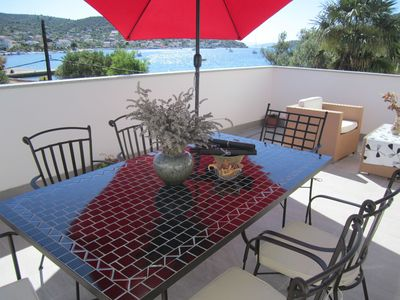 Photo for Apartment Deni  A3(4+2)  - Vinisce, Riviera Trogir, Croatia