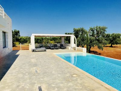 Photo for New, beautiful and modern villa with pool and sea views, near Ostuni