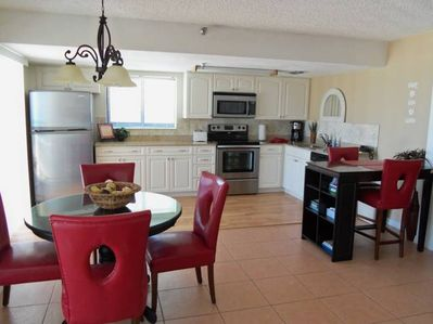 Updated Kitchen with new ss appliances