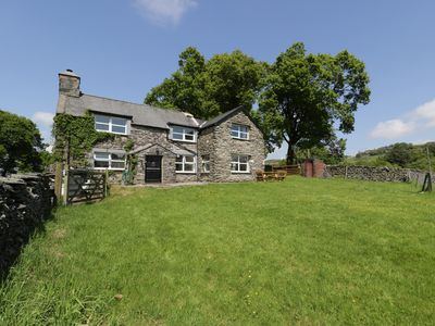 Photo for MAES MADOG, family friendly, with hot tub in Capel Garmon, Ref 961172