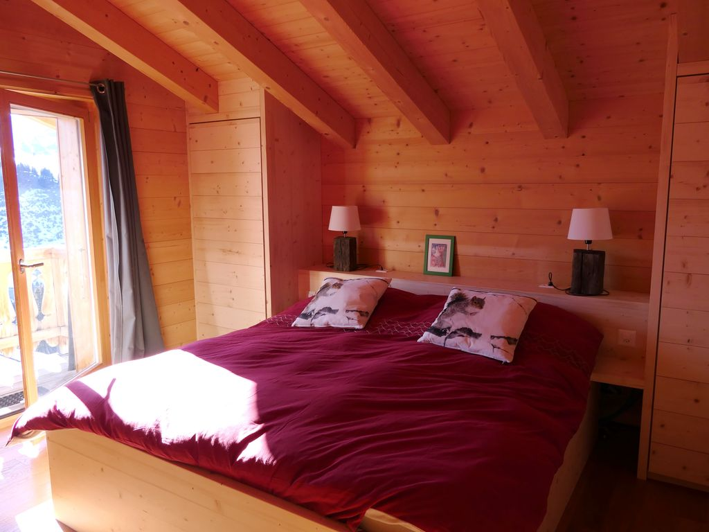Luxurious 5 bedroom family cottage in les crosets ski in for 5 bedroom cottages
