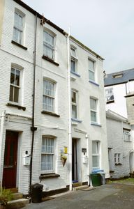 Photo for Seagull Cottage - 1 bedroom cottage in Heart of Looe town.