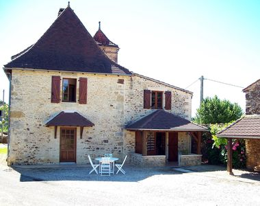 Photo for Charming cottage with terrace south Perigord black and chestnut country