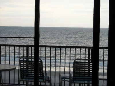 Photo for Newly Renovated Oceanfront 1bd on Golden Mile, Full Kitchen, sleeps 6
