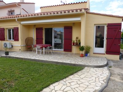 Photo for Air-conditioned single storey villa, swimming pool, garden