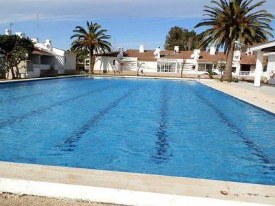 Photo for <![CDATA[CASA SALVAGINA GRAN 39, Ideal house for your holidays near the sea, free wifi, air conditioning, community pool, pets allowed, dog's beach.]]>