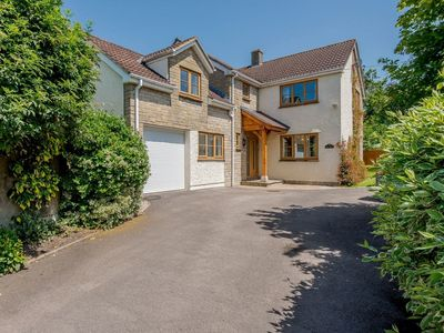 Photo for 5 bedroom accommodation in Hinton, near Bath