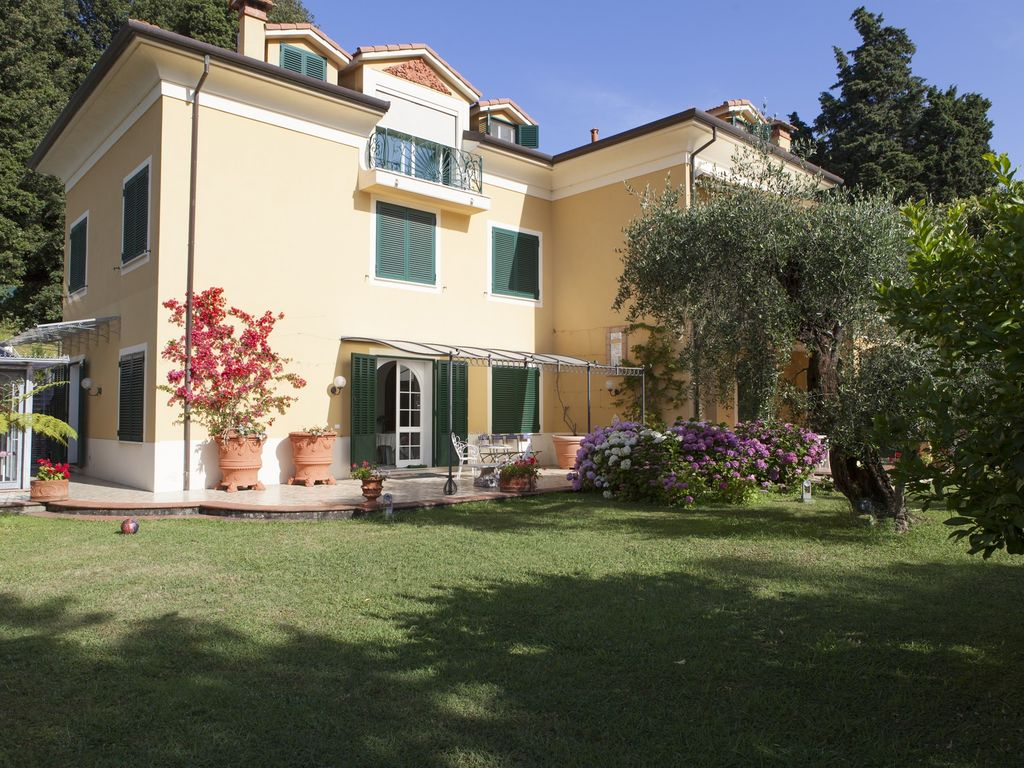 Apartment In Villa Large Garden With Pool Beach And