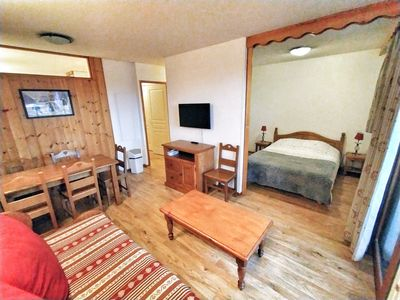 Photo for Apartment les Orres 1800 with direct access to the ski slopes