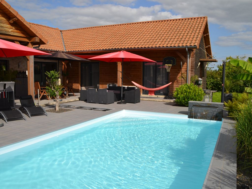 Holiday Home 12 Pers With Swimming Pool Near The Lakes Of The For T D 39 Orient Champagne Lesmont