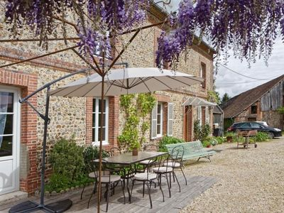Photo for Gite Auguaise, 5 bedrooms, 12 persons