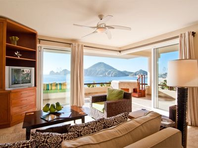 OCEANFRONT 1 or 2 Bedroom; huge View Terrace w/jacuzzi $2,188-$2,488 per week.