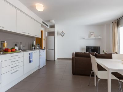 Photo for Lovely 2 Bedroom apartment 413