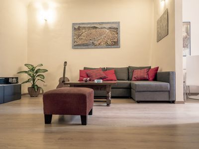 Palazzuolo II apartment in Santa Maria Novella with WiFi, air conditioning & balcony.
