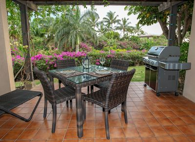 Main lanai with beautiful private garden view